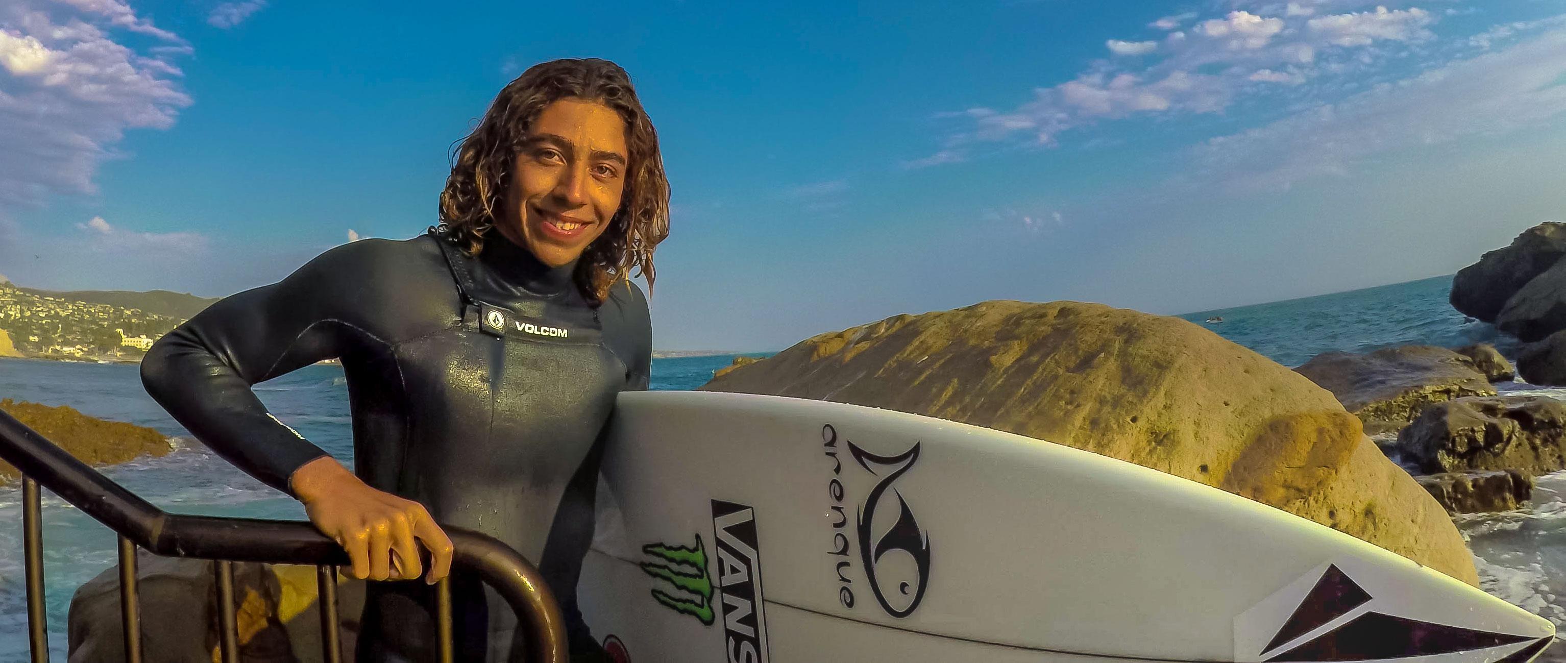 surfers-mcusmp417_48_42_22still001